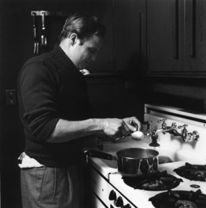 Marlon Brando cooking in the kitchen of his Beverly Glen home in Los Angeles1953© 1978 Sid Avery - Image 0007_0023
