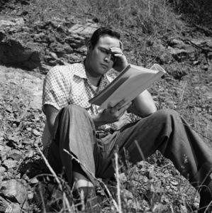 Marlon Brando in the backyard of his Beverly Glen home1953© 1978 Sid Avery - Image 0007_0030