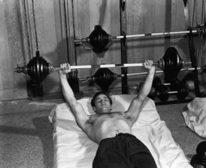 Marlon Brando lifting weightscirca 1950** I.V. - Image 0007_1040
