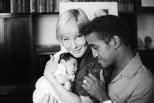 Sammy Davis Jr. with his wife, May Britt, and their daughter, Tracey Davis 1961 © 1978 Bernie Abramson - Image 0009_2506