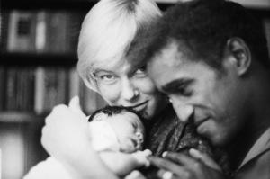 Sammy Davis Jr. with his wife, May Britt, and their daughter, Tracey Davis 1961 © 1978 Bernie Abramson - Image 0009_2508