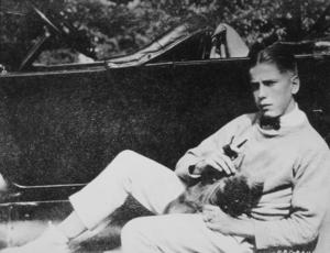 Humphrey Bogart, circa 1918.MPTV - Image 0015_1022