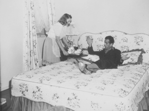 Humphrey bogart and his third wife, Mayo Methot, at home, circa 1944.MPTV - Image 0015_1040