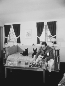 Humphrey Bogart with his dogs at home, 1944.MPTV - Image 0015_1042