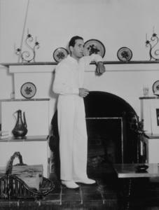 Humphrey Bogart at home, circa 1942 Warner Bros.MPTV - Image 0015_1064