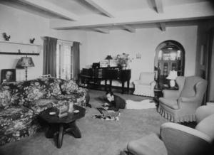 Humphrey Bogart at home, 1944 Warner Bros.MPTV - Image 0015_1141