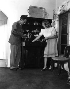 Humphrey Bogart at home with wife Mayo Methotcirca 1944 - Image 0015_1236