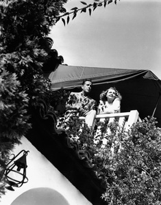 Humphrey Bogart at home with wife Mayo Methotcirca 1944 - Image 0015_1262