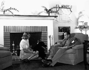 Humphrey Bogart at home with wife Mayo Methotcirca 1944 - Image 0015_1263