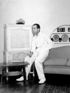 Humphrey Bogart at home, circa 1940.MPTV - Image 0015_1332