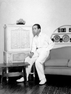 Humphrey Bogart at home, circa 1940.MPTV - Image 0015_1332