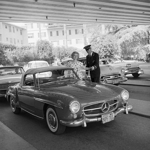 Zsa Zsa Gabor and her 190 SL Mercedes at the Beverly Hills Hotel1958© 1978 Sid Avery - Image 0018_0003