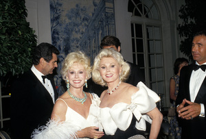 Zsa Zsa Gaborwith her sister Eva GaborC. 1986 © 1986 Gunther - Image 0018_0257