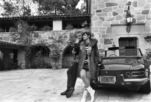Steve McQueen at home with wife Neile and his 275 GTS Ferrari 1967 © 1978 Gunther - Image 0019_0810