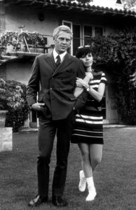 Steve McQueenat home in Beverly Hills withwife Neile1967 © 1978 GuntherMPTV - Image 0019_0811