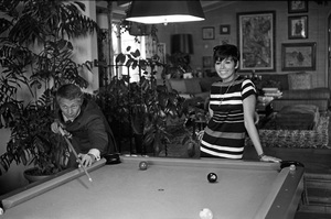 Steve McQueen and wife Neile Adams at home1970 © 1978 Gunther - Image 0019_0842