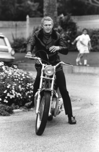 Steve McQueen on his Motorcycle circa 1970 © 1978 Gunther - Image 0019_0865