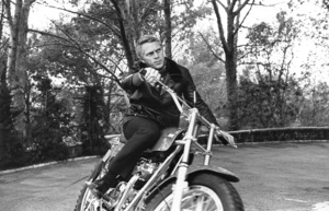 Steve McQueen on his Motorcycle circa 1970 © 1978 Gunther - Image 0019_0866