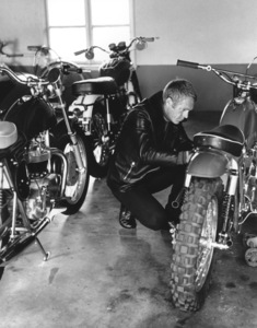 Steve McQueen with his Motorcycle circa 1970 © 1978 Gunther - Image 0019_0870
