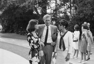 Natalie Wood, Steve McQueen and wife Neile Adams at a Luci Baines Johnson barbecue1964© 1978 Chester Maydole - Image 0019_1162