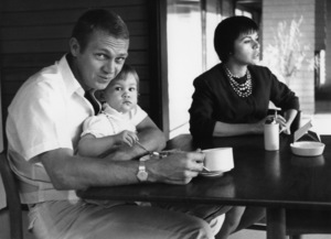 Steve McQueen in his Hollywood Hills home on Solar Drive with wife Neile and daughter Terry 1960 © 1978 Sid Avery - Image 0019_1173