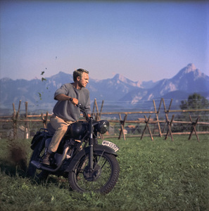 """""""The Great Escape""""Steve McQueen1963 United Artists** I.V.C. - Image 0019_1174"""