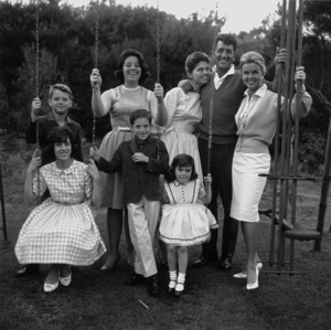 Dean Martin with wife Jeanne Beiggers & children Claudia, Gail, Deana, Gina, Dino and Ricci1961 © 1978 Sid Avery - Image 0022_0194