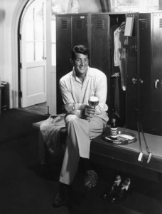 Dean Martin in a Reingold beer advertisement1955 © 1978 Paul Hesse - Image 0022_1011