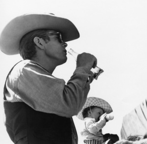 """James Dean on location for """"Giant"""" in Marfa, Texas1955© 1978 Sid Avery - Image 0024_0041"""