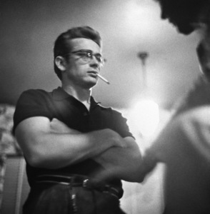 """James Dean on location for """"Giant"""" in Marfa, Texas1955 © 1978 Sid Avery - Image 0024_0045"""