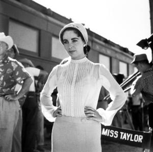 "Elizabeth Taylor on location for ""Giant""in Marfa Texas1955 © 1978 Sid AveryMPTV - Image 0024_0099"