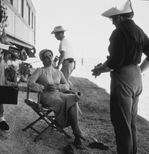 "Elizabeth Taylor on location for ""Giant""in Marfa Texas1955 © 1978 Sid AveryMPTV - Image 0024_0110"