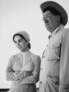 "Elizabeth Taylor and George Stevens on the set of ""Giant""1955 © 1978 Sid AveryMPTV - Image 0024_0126"