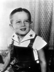 James Dean at age four (4).1935. - Image 0024_2157