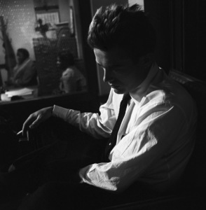 """James Dean on location for """"Rebel Without a Cause"""" 1955 © 1978 Bob Willoughby - Image 0024_2430"""