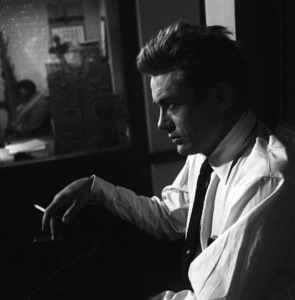 """James Dean on location for """"Rebel Without a Cause"""" 1955 © 1978 Bob Willoughby - Image 0024_2432"""