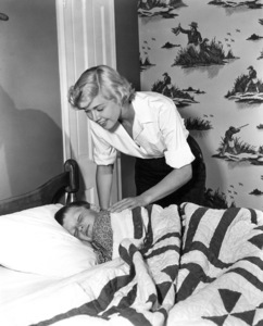 Doris DayTucking son Terry to bed1950Photo by Bert Six - Image 0025_1007