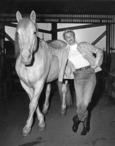 "Doris DayOn the set of ""Calamity Jane""With Silver © 1953 Warner/ Photo by Mac Julian - Image 0025_1020"