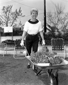 Doris Dayat home in her garden1950Photo by Bert Six - Image 0025_1231