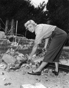 Doris Dayat home circa 1950Photo by Bert Six - Image 0025_2223