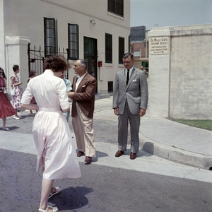 Clark Gable with William Pearlberg on the Paramount Studios lot1957 © 1978 Sid Avery - Image 0025_2587