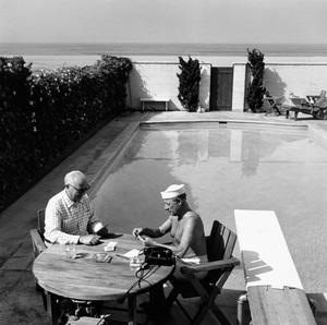 George E. Jessel at his Santa Monica home1953 © 1978 Sid Avery - Image 0027_0007