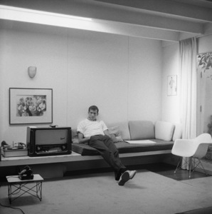 Anthony Perkins at home in Los Angeles 1959 © 1978 Sid Avery - Image 0032_0127