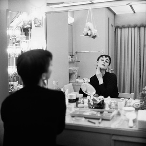 Audrey Hepburn photographed for Mademoiselle in 1954 in her dressing room backstage at Ondine 1954 © 2000 Mark Shaw - Image 0033_0089