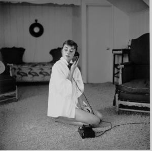 Audrey Hepburn1953© 2000 Mark Shaw - Image 0033_2416