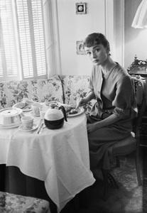 Audrey Hepburn1954 © 2007 Mark Shaw - Image 0033_2523