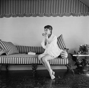 Audrey Hepburn1953© 2000 Mark Shaw - Image 0033_2595