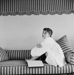 Audrey Hepburn1953© 2000 Mark Shaw - Image 0033_2596
