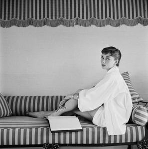 Audrey Hepburn1953© 2000 Mark Shaw - Image 0033_2597