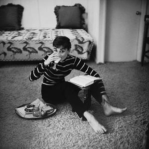 Audrey Hepburn 1953© 2000 Mark Shaw - Image 0033_2614